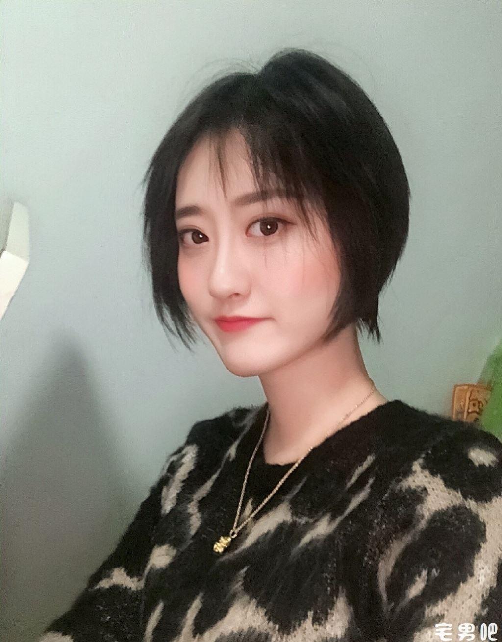 今日妹子图 20181217 98出生的小姐姐 @周凯旋Tiffany