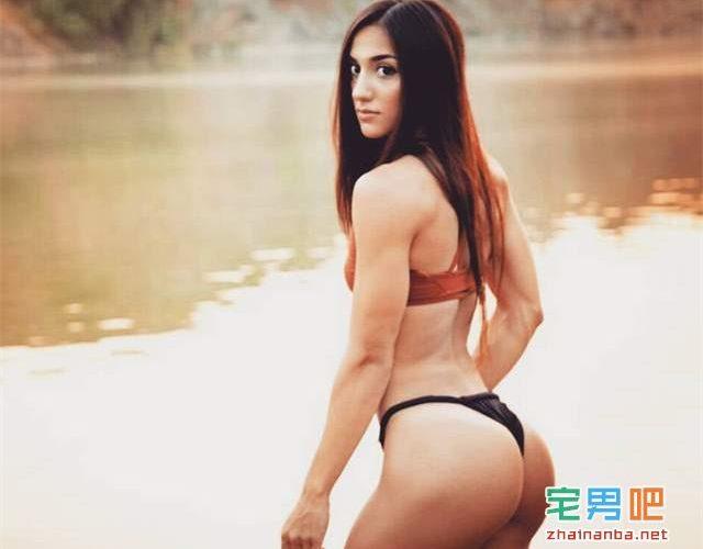 大家感受一下来自乌克兰的健美模特「Bakhar Nabieva」的身材