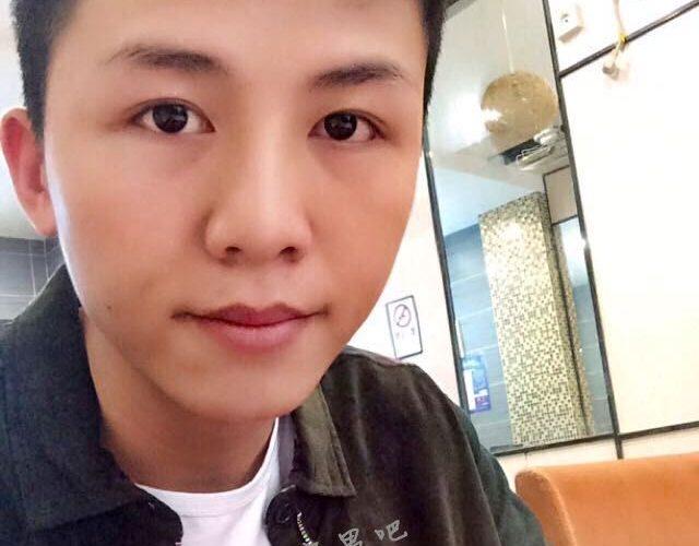 蓝瘦香菇视频本人开通新浪微博 @韦勇v太阳 原来是个帅小伙!